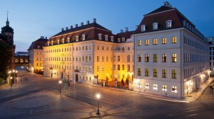 SetHeight800-Hotel-Taschenbergpalais-Kempinski-Dresden-Auenansicht-Nacht-2