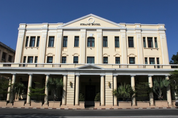 1-strand-hotel-front