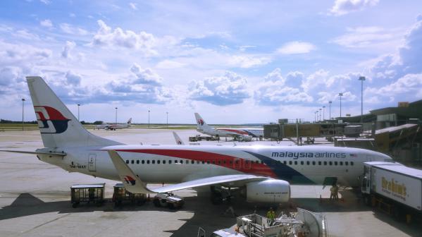mas-737-800