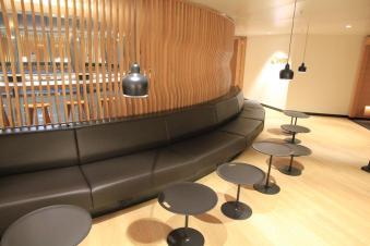 Swiss-Business-Class-Lounge-A-8